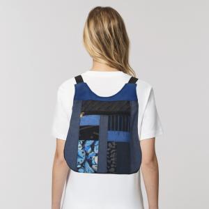 mochila-mini-azul-artesano-espalda